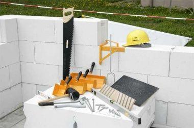 Стоит ли покупать дачные дома из газосиликатных блоков?